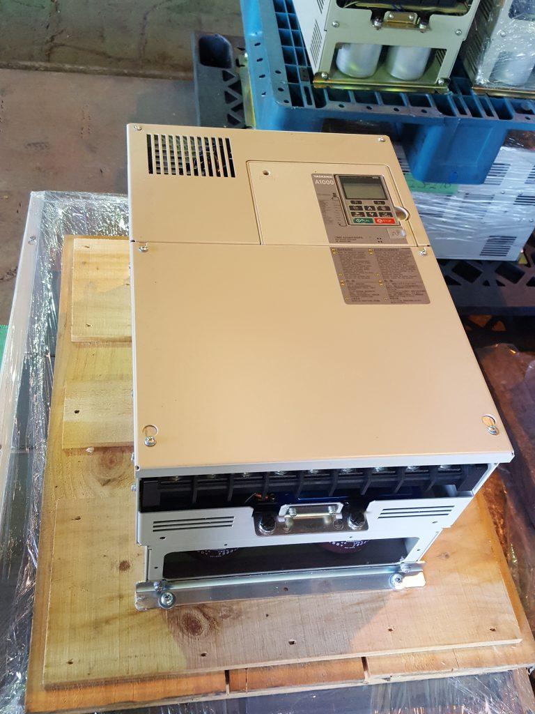 Yaskawa / A1000 Inverter CIMR-AAA0103APA 400V 3PH 55kW/45kW
